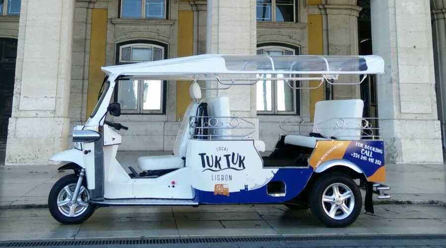 Tuktuk in praca do comercio