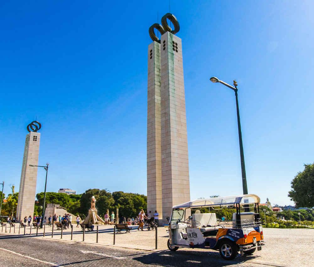 Tuk tuk parked at the top of eduardo vii park in lisbon